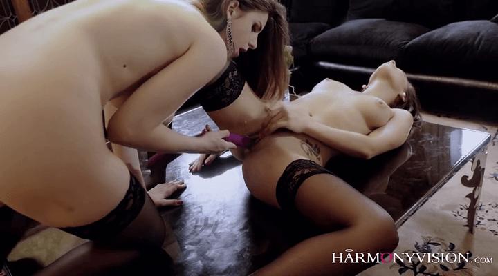 HarmonyVision – Henessy , Stella Cox – Nymphomaniac Lesbians