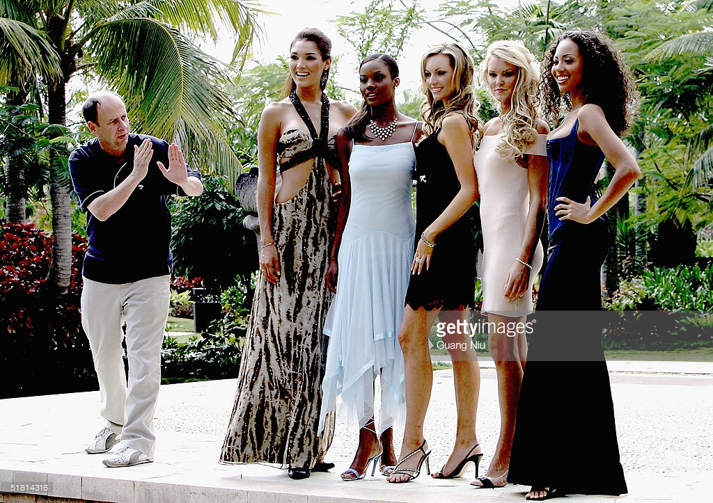 rosanna davison, miss world 2003. - Página 5 61553909_photo-director-instructs-miss-nancy-randall-of-the-united-states-miss-picture-id