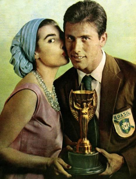 adalgisa colombo, top 2 de miss universe 1958. † 61955360_bellini-carreira-selecao-3-original