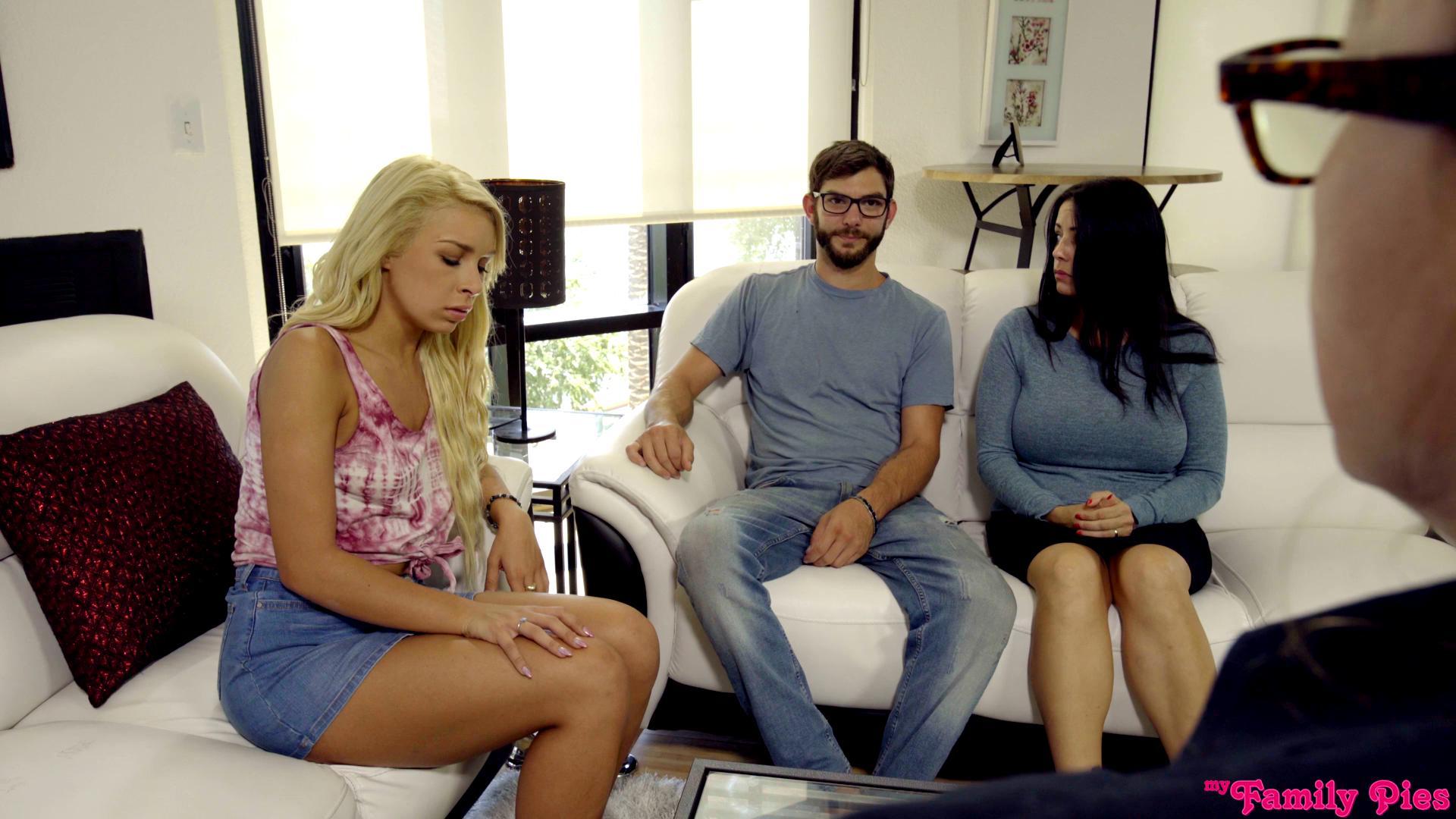 MyFamilyPies – Carmen Caliente Ass Clap Addiction