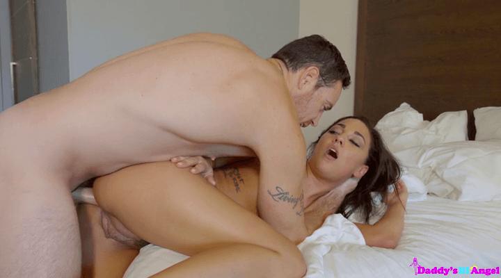 DaddysLilAngel – Amara Romani – Cum Her Ass