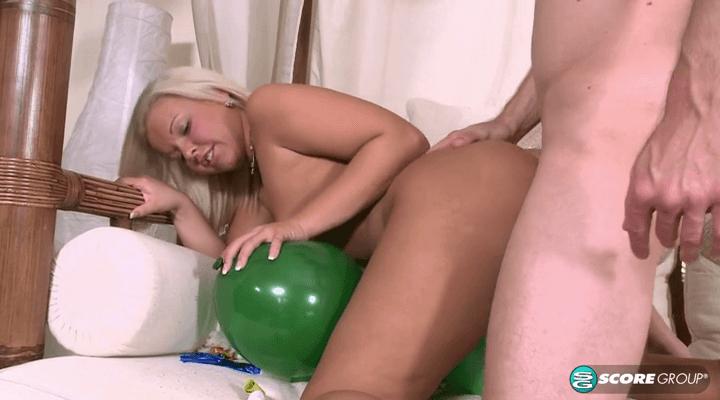 PornMegaLoad  – Riley Ann  – Winter Happy Birthday