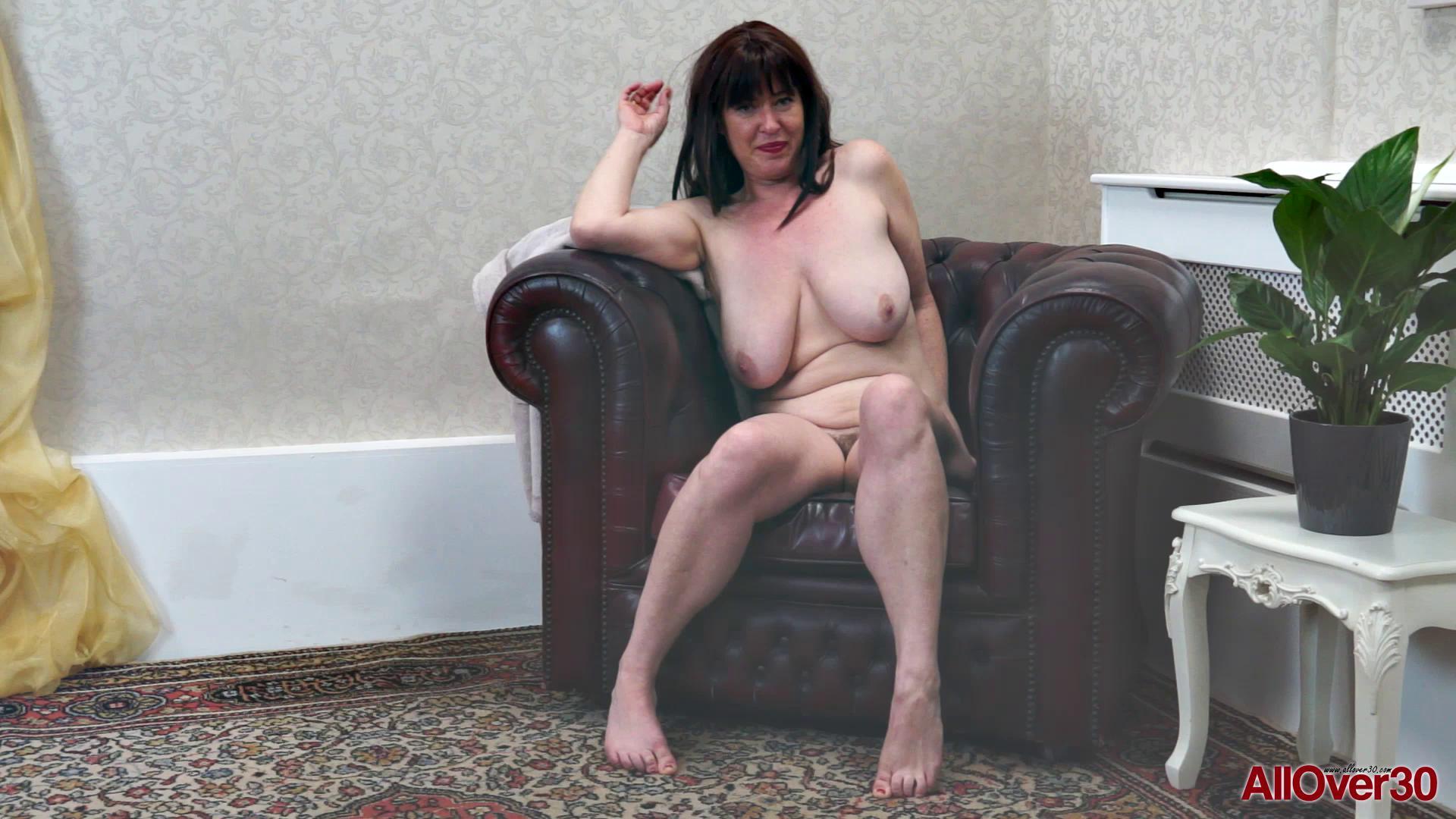 AllOver30 – Janey
